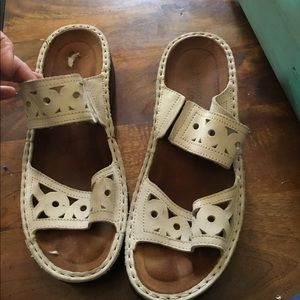 NAOT sandals cream colored size 40